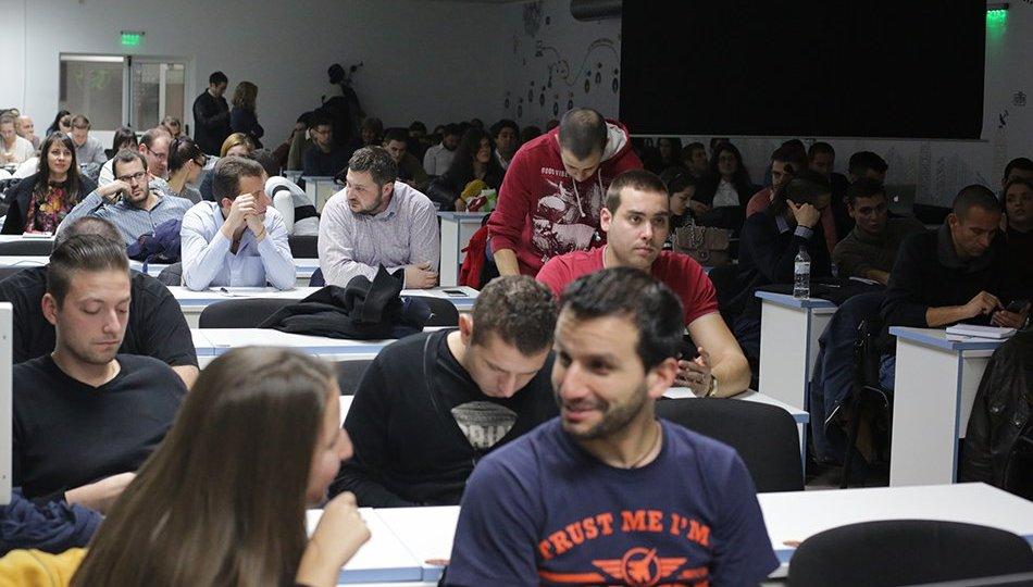 Пътят към Business Intelligence образованието минава през бизнеса - Balkanservices.com