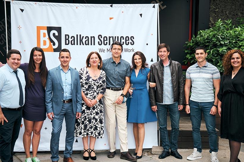 Посрещане на дългогодишни клиенти на празненство на Balkan Services - balkanservices.com
