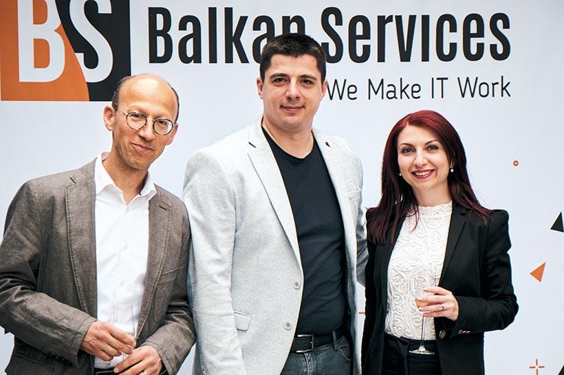 Посрещане на партньор, парти за рожден ден на Balkan Services - balkanservices.com