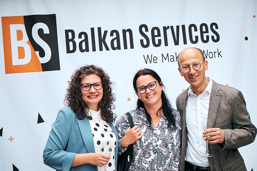 Приятели на Balkan Services, празненство за рожден ден - balkanservices.com