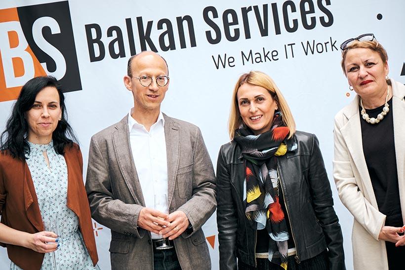 Посрещане на гости, празненство за рожден ден на Balkan Services - balkanservices.com