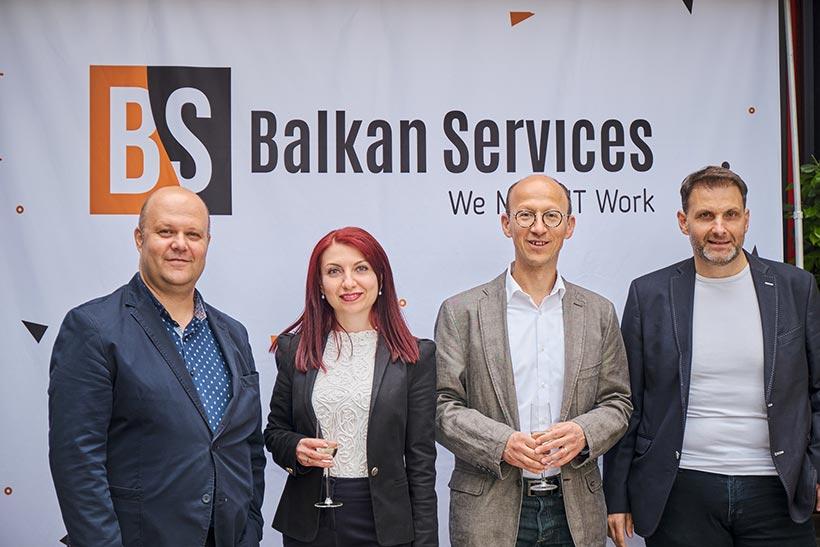 Посрещане на гости рожден ден на Balkan Services - balkanservices.com